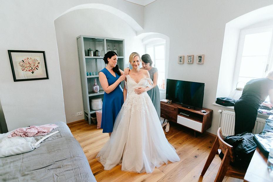Michaela+Patrick - MP-Hochzeit-Schloss-Walpersdorf-011.jpg
