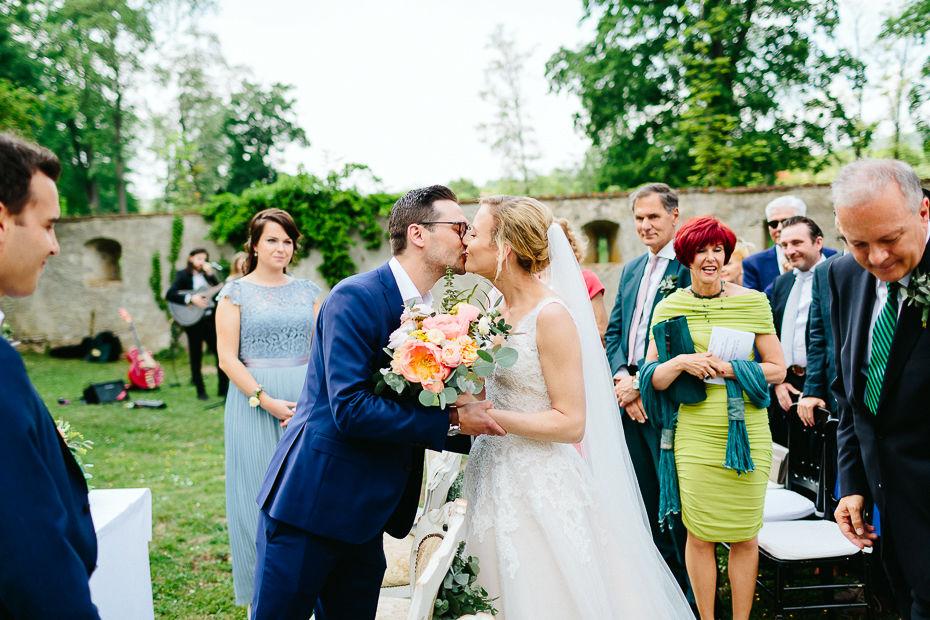 Michaela+Patrick - MP-Hochzeit-Schloss-Walpersdorf-020.jpg