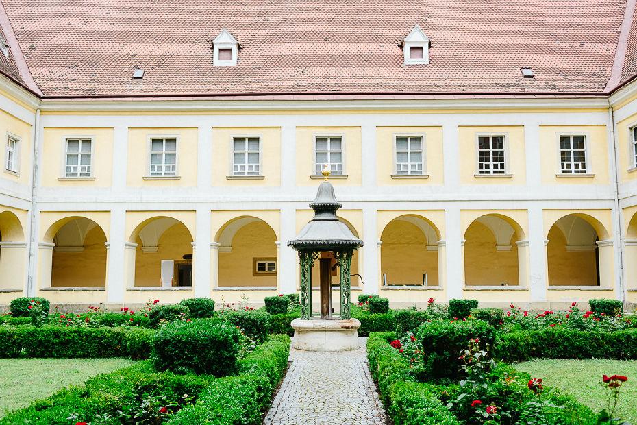 Valentina+Matthias - VM-Hochzeit-Schlosspark-Mühlbach-am-Manhartsberg-023.jpg