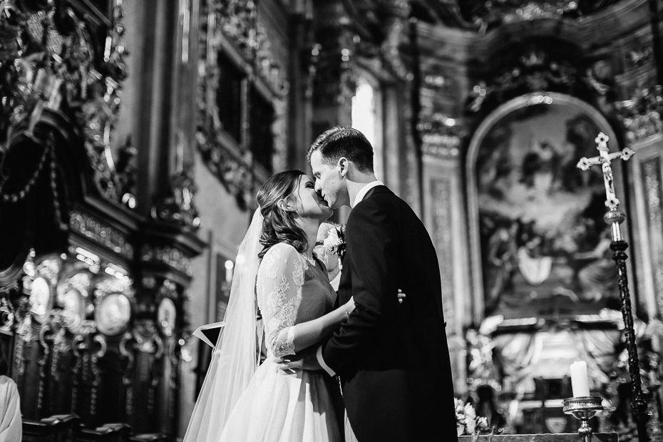Valentina+Matthias - VM-Hochzeit-Schlosspark-Mühlbach-am-Manhartsberg-035.jpg